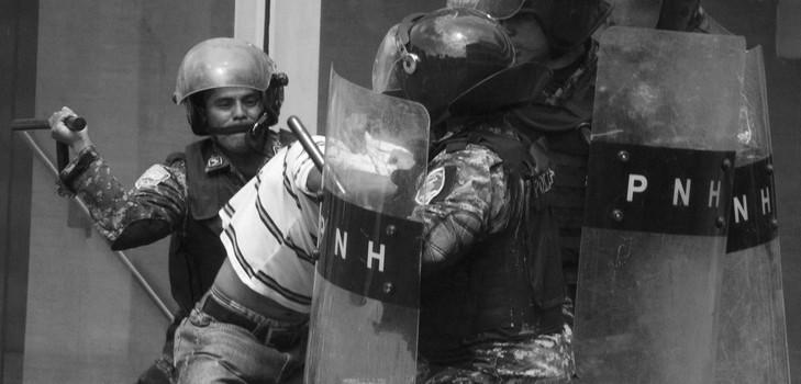 represion-balco_carrousel_bootstrap