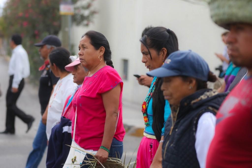 Marichuy en la marcha en Tehuacán_ Daliri Oropeza