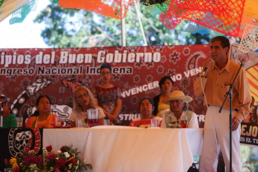 Renato Ocotepec Marichuy Cuanala_Daliri Oropeza