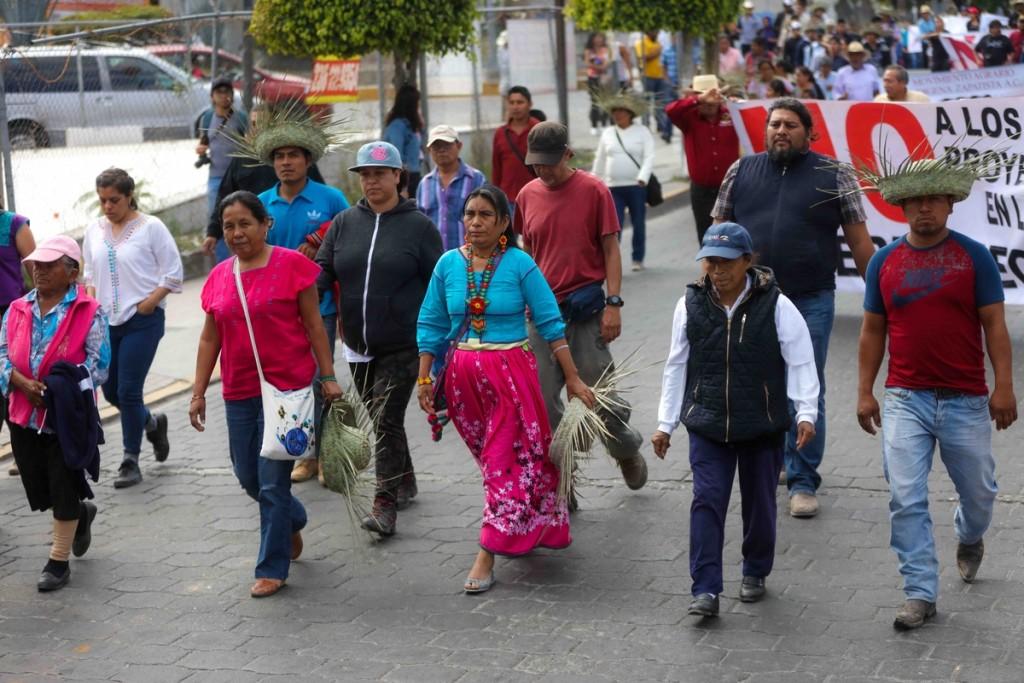 sonrisa Marichuy marcha Tehuacán_ Daliri Oropeza